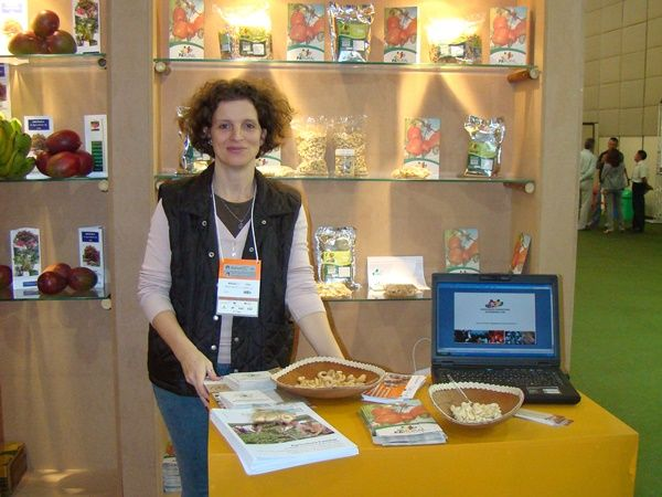 Interview with Angela Küster, co-founder of PlanetVegFoods, on biocyclic vegan agriculture & cashews from Brazil